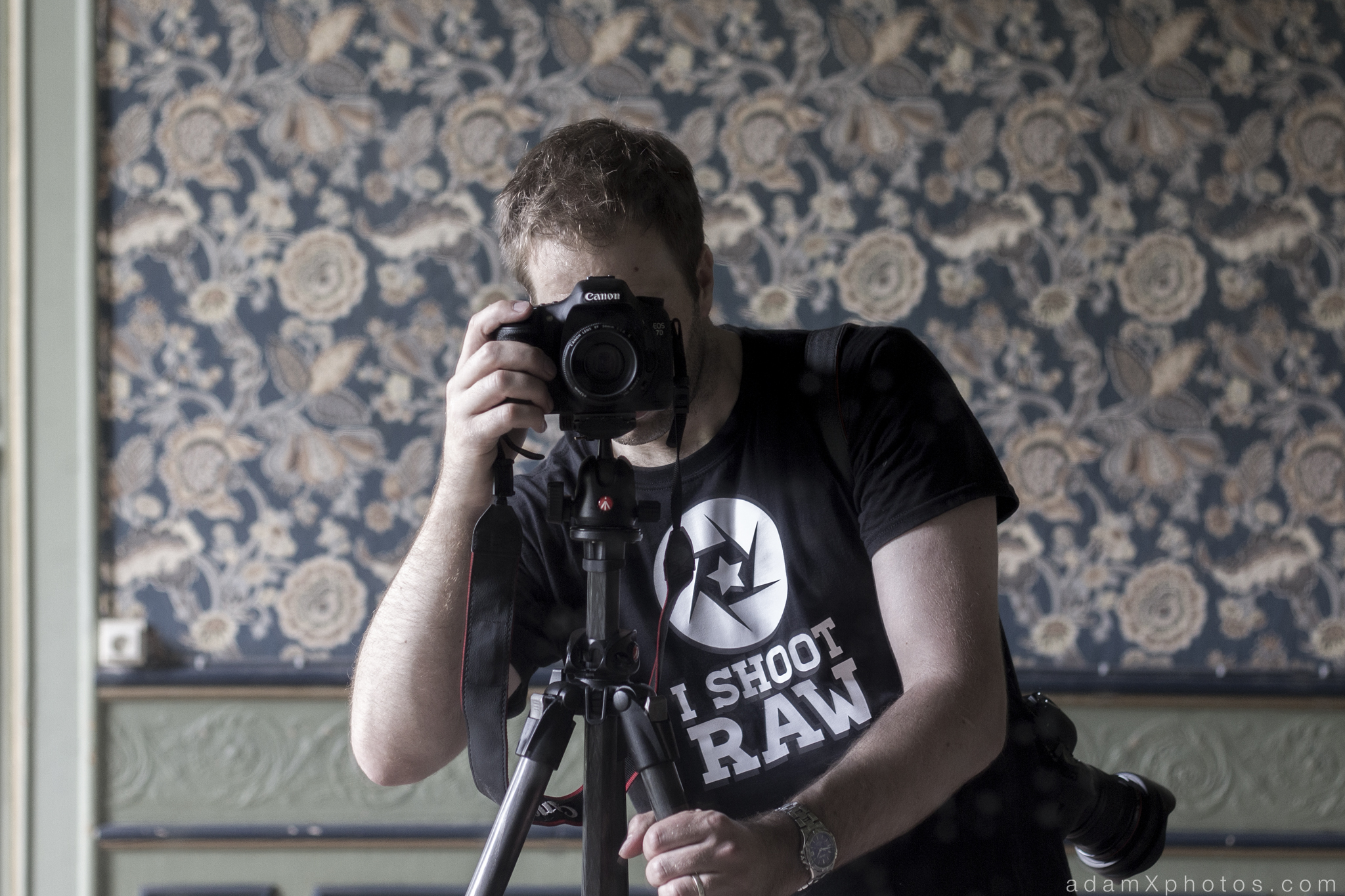 Adam X Chateau de la Chapelle urbex urban exploration belgium abandoned selfie self portrait I shoot raw Canon