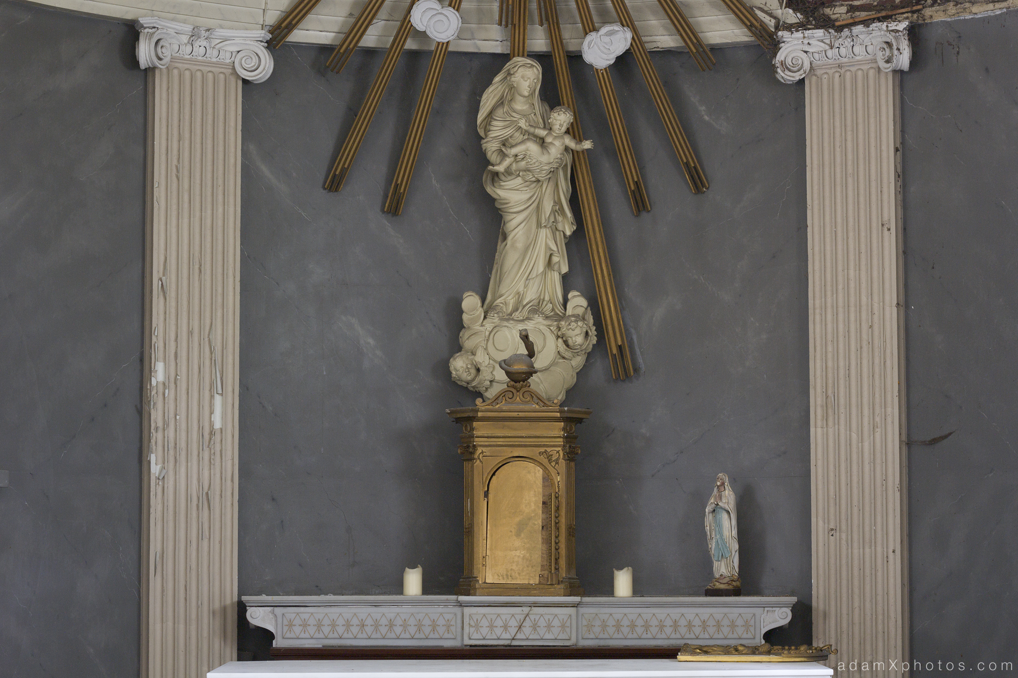 Adam X Chateau de la Chapelle urbex urban exploration belgium abandoned statue chapel