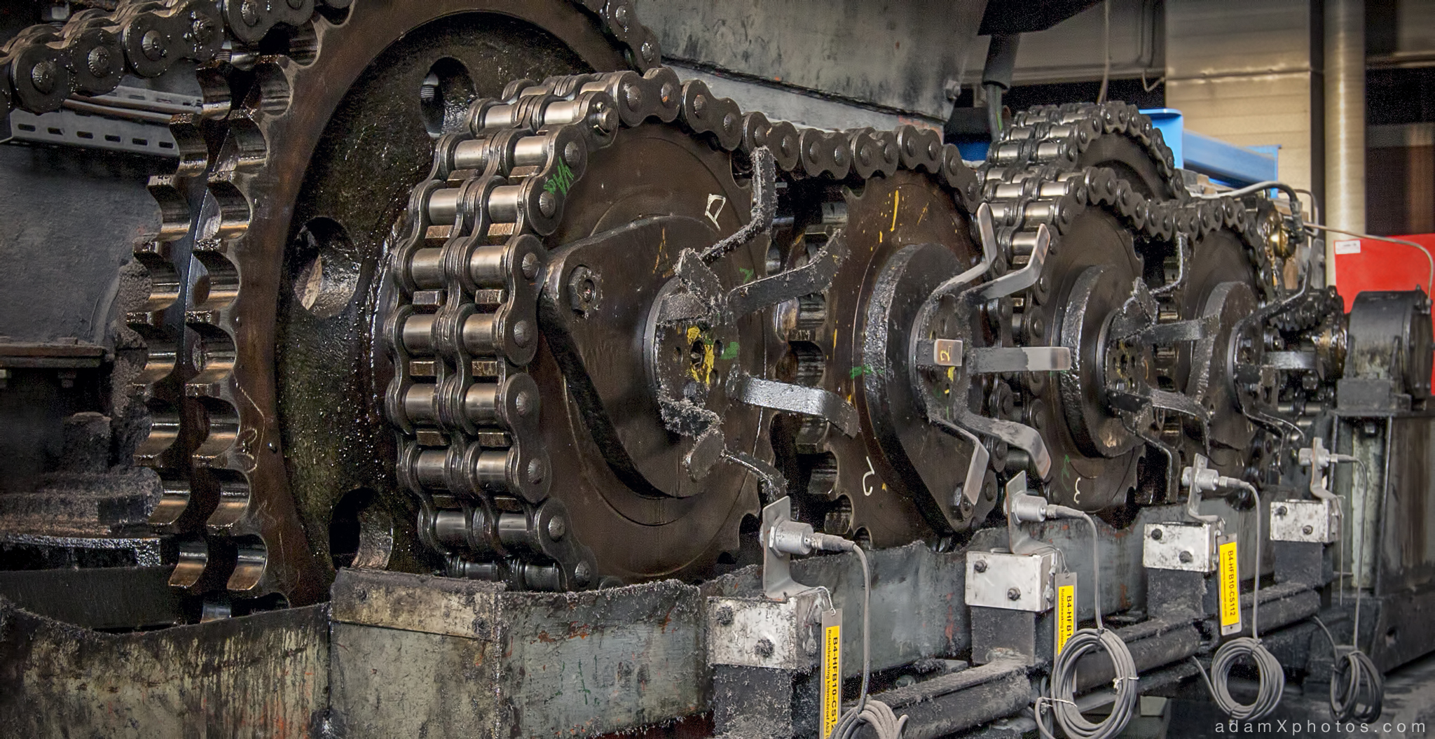 Urbex Urban Exploration Powerplant Gigawatt XL Cloud Factory machinery detail