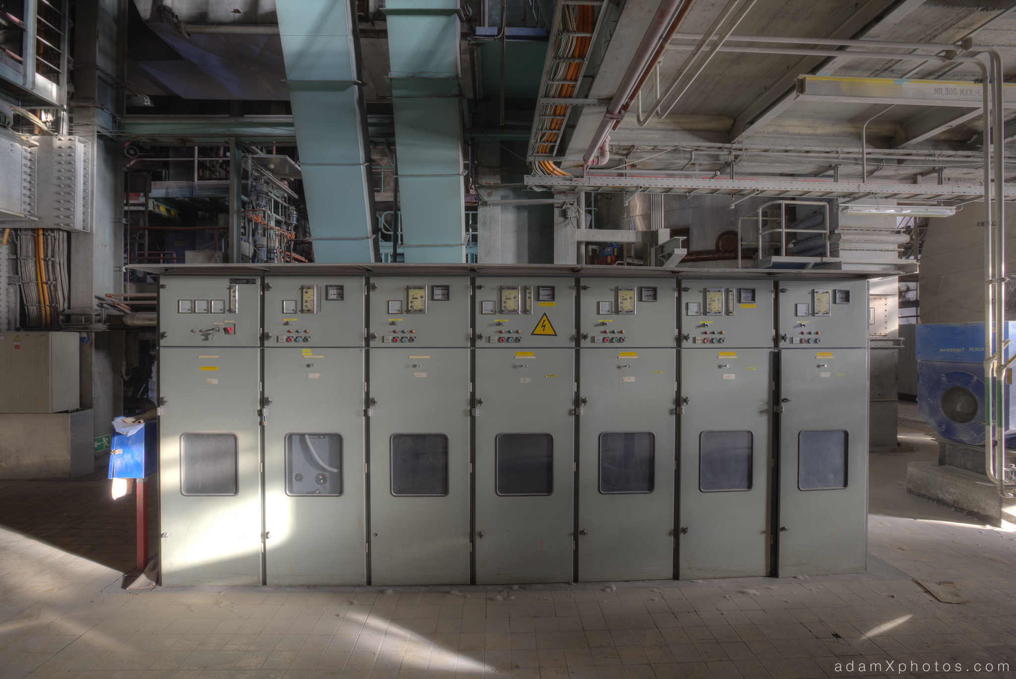 Urbex Urban Exploration Powerplant Gigawatt XL Cloud Factory machinery