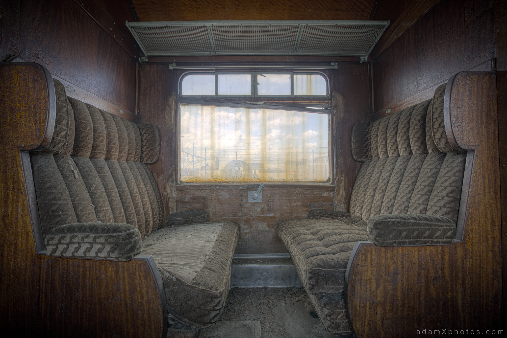Adam X Urbex Urban Exploration Orient Express internal carriage