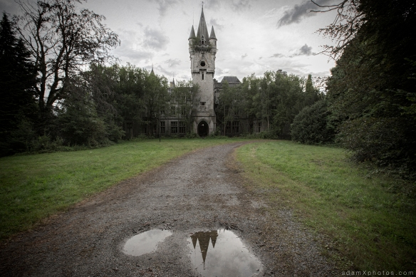 Adam X Urbex Urban Exploration Chateau Noisy Miranda sunset external outside tower clock tower drive front driveway belgium