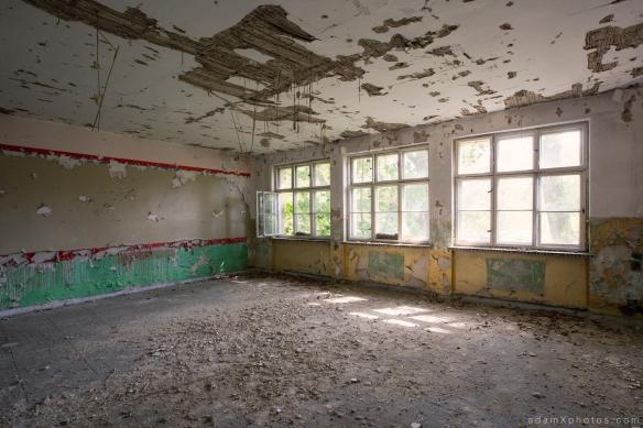 Adam X Urbex Urban Exploration Abandoned Germany Wunsdorf barracks soviet decay peely paint
