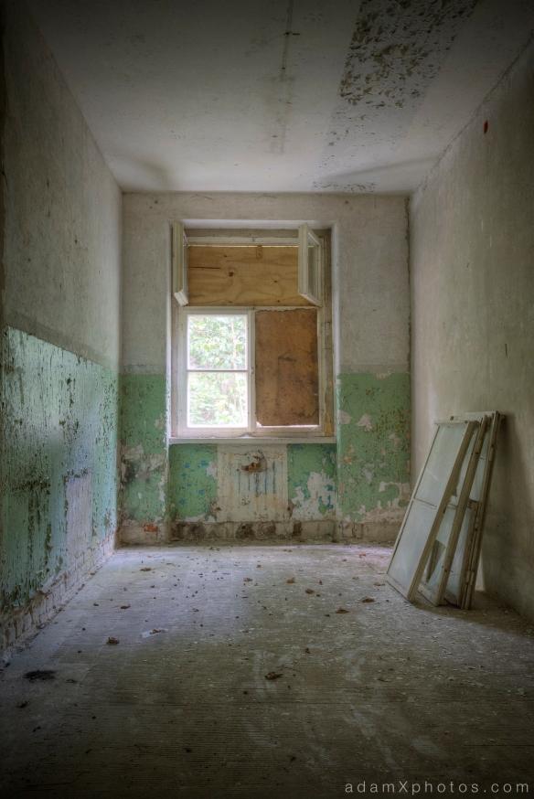 Adam X Urbex Urban Exploration Abandoned Germany Wunsdorf barracks soviet windows peeling paint green