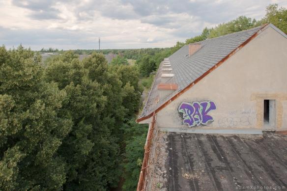 Adam X Urbex Urban Exploration Abandoned Germany Wunsdorf barracks roof external view