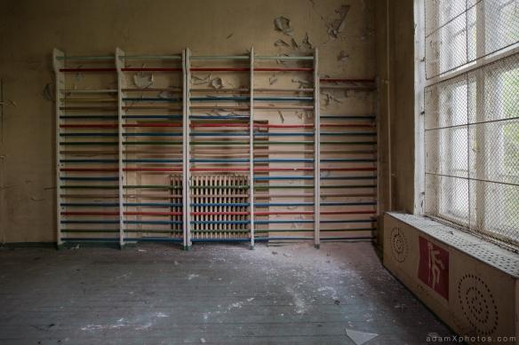 Adam X Urbex Urban Exploration Germany Juterbog School Soviet Russian Abandoned Lost Decay Gym Gymnasium climbing bars