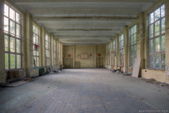 Adam X Urbex Urban Exploration Germany Juterbog School Soviet Russian Abandoned Lost Decay Gym Basketball court Gymnasium