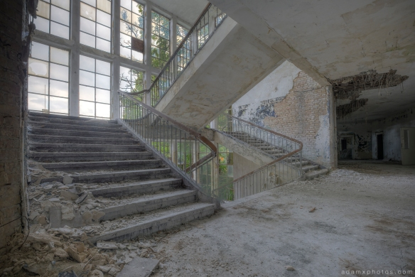 Adam X Urbex Altes Lager Juterbog Germany Urban Exploration Air base flight school CCCP Soviet Russian military Decay Lost Abandoned Derelict Hidden main entrance foyer split staircase stairs twin