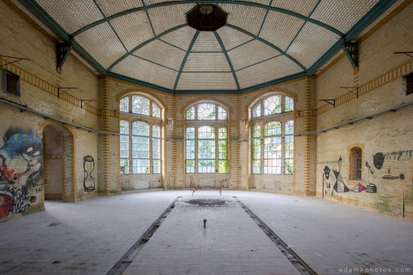 Adam X Urbex Beelitz Heilstatten Germany Urban Exploration Womens Women's Sanatorium Hospital Decay Lost Abandoned Hidden pavilion bathhouse bath house bay windows tiled ceiling ornate