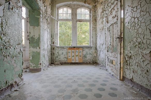 Adam X Urbex Beelitz Heilstatten Germany Urban Exploration Lung clinic Sanatorium Hospital Decay Lost Abandoned Hidden peeling paint plants