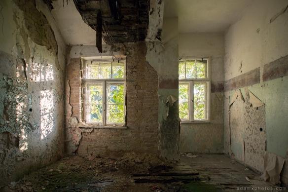 Adam X Urbex Heilstatten Hohenlychen Germany Urban Exploration Decay Lost Abandoned Hidden room wallpaper colours