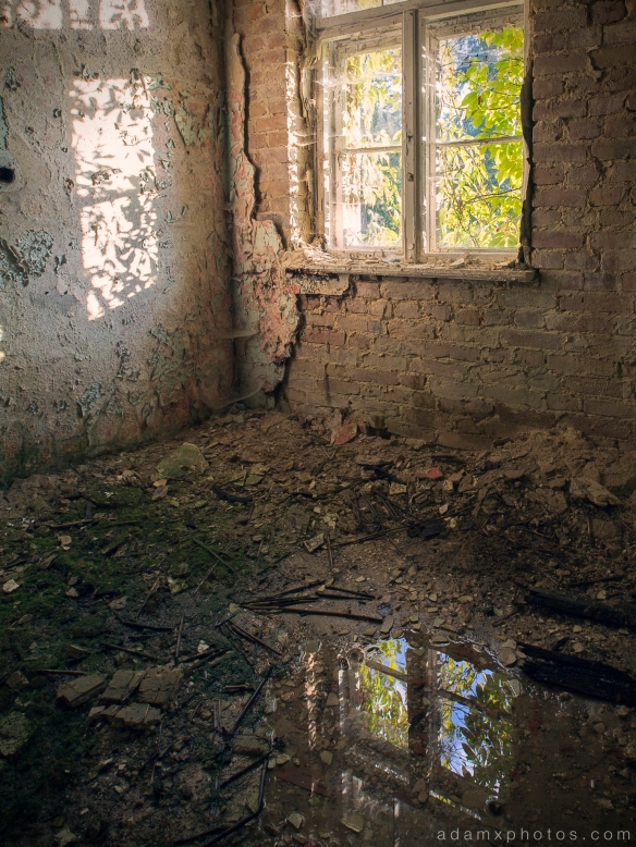 Adam X Urbex Heilstatten Hohenlychen Germany Urban Exploration Decay Lost Abandoned Hidden room window wallpaper peeling paint