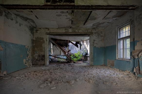 Adam X Urbex Heilstatten Hohenlychen Germany Urban Exploration Decay Lost Abandoned Hidden collapsing room ceiling rubble sanatorium