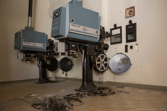 Adam X Urbex Nazi School Partishule N DDR Horsaal Germany Urban Exploration Decay Lost Abandoned projectors