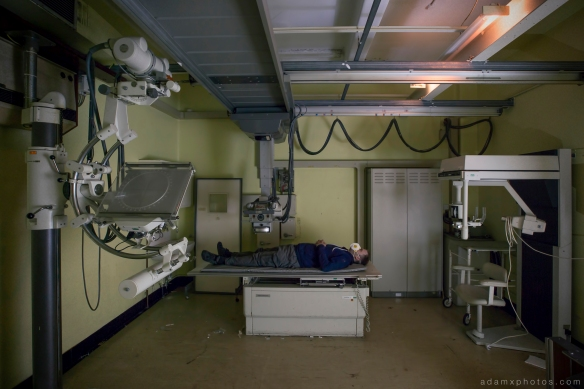 X-ray machine scanner x ray selfie X-ray Labs lab laboratory x ray CMH Cambridge Military Hospital Adam X Urbex UE Urban Exploration abandoned derelict unused empty disused decay decayed decaying grimy grime
