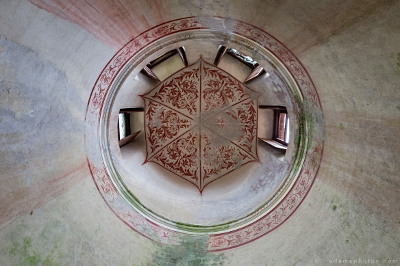 Castello di R Italy castle Urbex Adam X Urban Exploration ceiling rose windows painted painting ornate looking up photo photos report decay detail UE abandoned derelict unused empty disused decay decayed decaying grimy grime