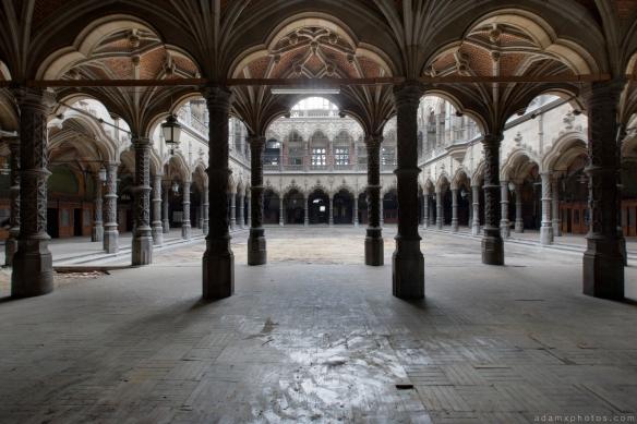 columns ornate CDC Chambre De Commerce Antwerp Belgium Antwerpen Urbex Adam X Urban Exploration 2015 Abandoned decay lost forgotten derelict