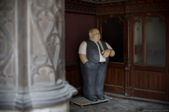 fatty model man manequin scary CDC Chambre De Commerce Antwerp Belgium Antwerpen Urbex Adam X Urban Exploration 2015 Abandoned decay lost forgotten derelict