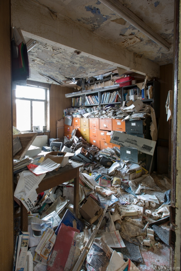 office mess messy Williamsons Fire and Rescue equipment Oldham Urbex Adam X Urban Exploration 2015 Abandoned decay lost forgotten derelict