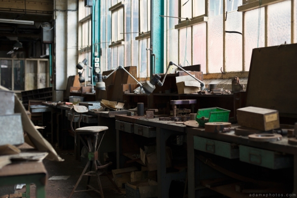 workshop desk bench West Bromwich Spring Company Helical Works Springs industry industrial Urbex Adam X Urban Exploration 2015 Abandoned decay lost forgotten derelict