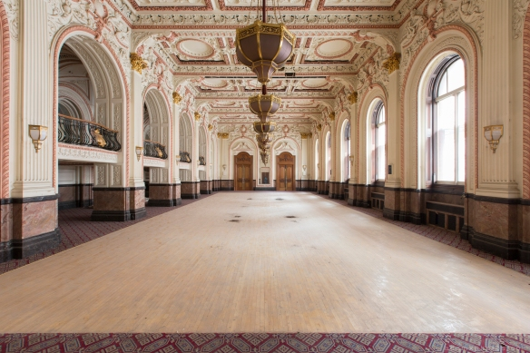chandeliers Ballroom Grosvenor Room The Grand Hotel Birmingham Urbex Adam X Urban Exploration 2015 Abandoned decay lost forgotten derelict
