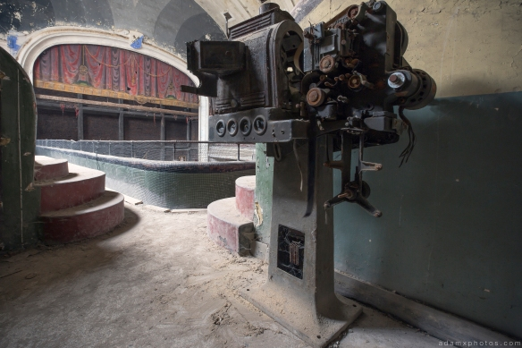 Old Projector Cinema Cine Theatre Varia Belgium Belgie Urbex Adam X Urban Exploration 2015 Abandoned decay lost forgotten derelict