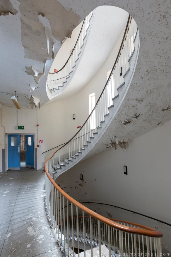 Spiral staircase middle Royal Hospital Haslar Gosport History Naval Navy Military Hospital Urbex Adam X Urban Exploration Infiltration Access 2015 Abandoned decay lost forgotten derelict