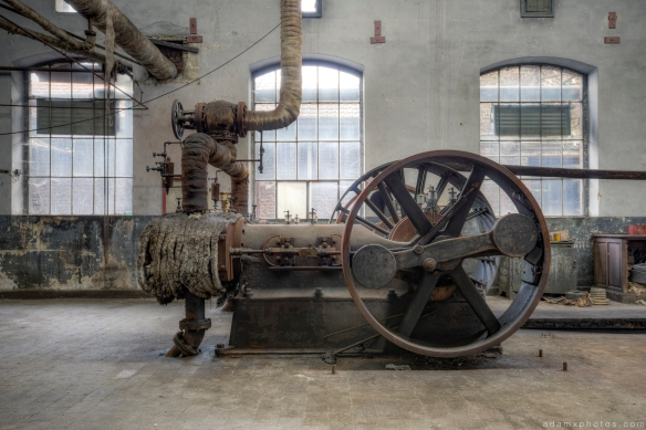 Machinery pump belt traction Usine S Belgium Textile Wool Factory Urbex Adam X Urban Exploration Access 2016 Abandoned decay lost forgotten derelict