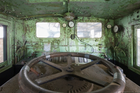 Train driver's cabin Kraftwerk Plessa Urbex Powerplant Germany Adam X Urban Exploration Access 2016 Abandoned decay lost forgotten derelict location