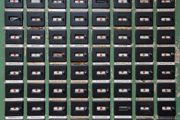Detail Retro Vintage Green Control Room Art Deco Kraftwerk Plessa Urbex Powerplant Germany Adam X Urban Exploration Access 2016 Abandoned decay lost forgotten derelict location