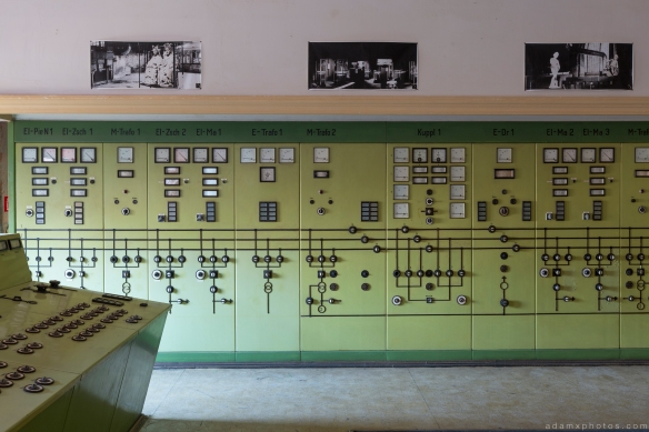 Panels Green control room Kraftwerk V Urbex Powerplant Germany Adam X Urban Exploration Access 2016 Abandoned decay lost forgotten derelict location Deutschland