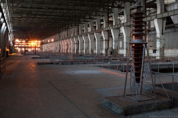 Turbine Hall sunset setting sun Kraftwerk V Urbex Powerplant Germany Adam X Urban Exploration Access 2016 Abandoned decay lost forgotten derelict location Deutschland