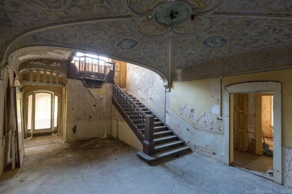 Ornate painted ceiling Stairs Villa schöne Decke Villa HMG Urbex Germany Adam X Urban Exploration Access 2016 Abandoned decay lost forgotten derelict location Deutschland