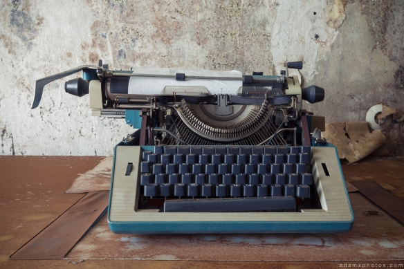 Typewriter Grand Hotel Atlantis Urbex Germany Adam X Urban Exploration Access 2016 Abandoned decay lost forgotten derelict location Deutschland