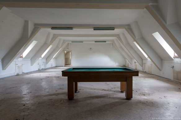 Pool table attic Salem Sanatorium Urbex Germany Adam X Urban Exploration Access 2016 Abandoned decay lost forgotten derelict location Deutschland