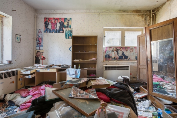 Bedroom posters junk teenager Biosphere Hotel Urbex Germany Adam X Urban Exploration Access 2016 Abandoned decay lost forgotten derelict location Deutschland Mould