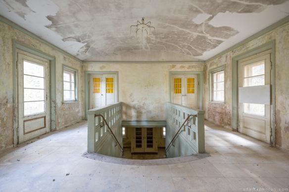 Villa Symmetry Urbex Germany Adam X Urban Exploration Access 2016 Abandoned decay lost forgotten derelict location Deutschland